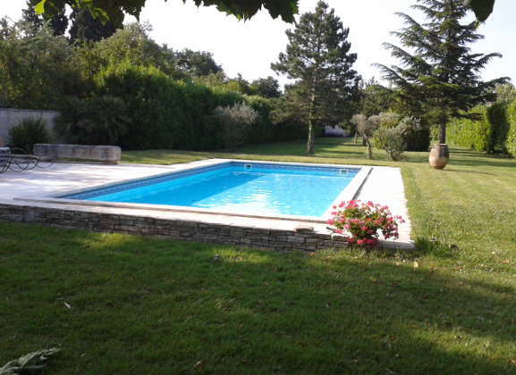 R novation de piscines piscines en provence for Piscine les angles