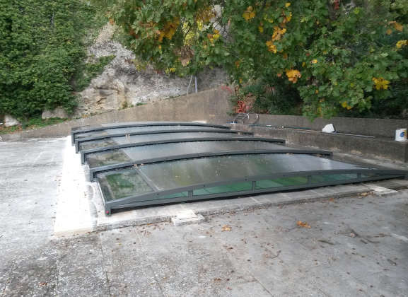Abris de piscine plat latest abris de piscine plat with for Abri piscine plat