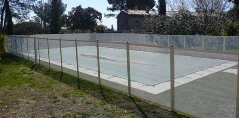 S curit cl ture filet piscines en provence for Cloture piscine
