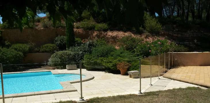 S curit barri res piscines en provence for Piscine miroir vaucluse