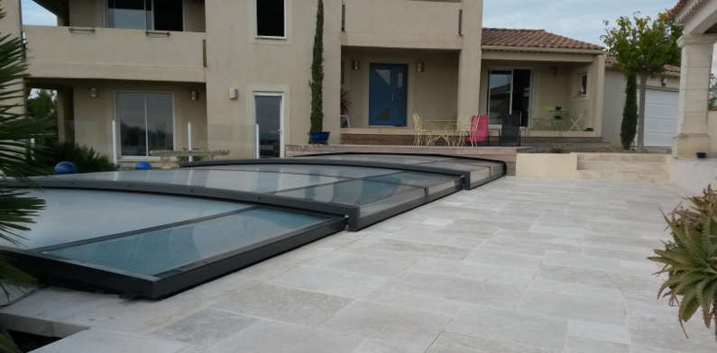 Abris piscines en provence for Agrement piscine