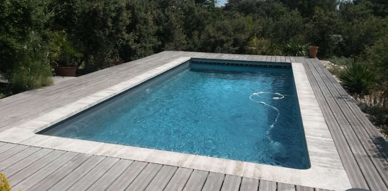 Construction de piscines piscines en provence for Construction piscine 81